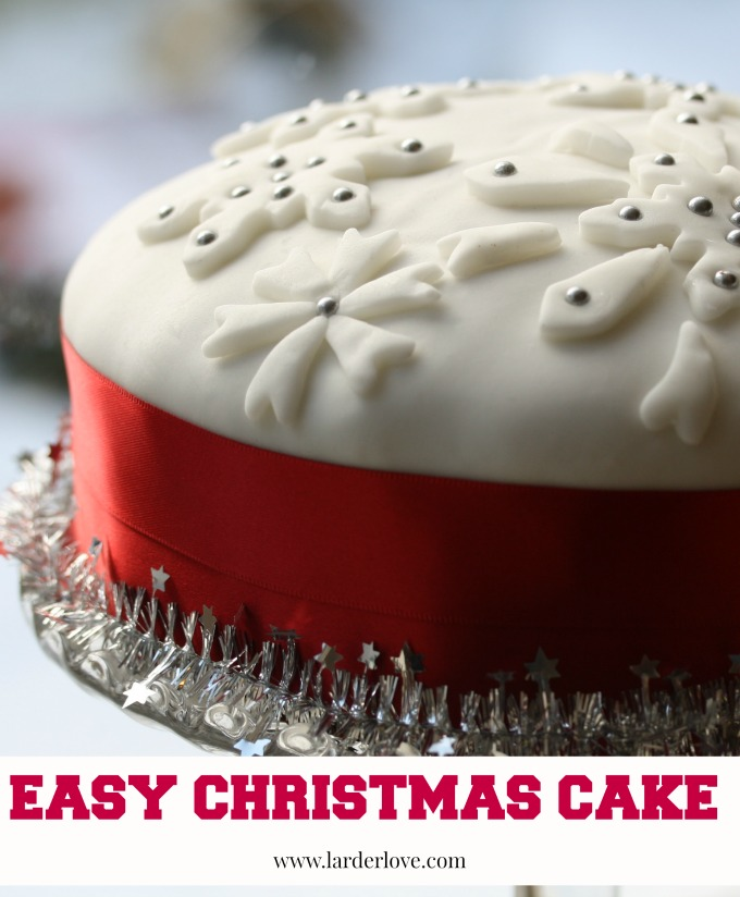 easy christmas cake by larderlove