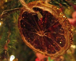 Make These Gorgeous Glitzy Orange Natural Christmas Ornaments