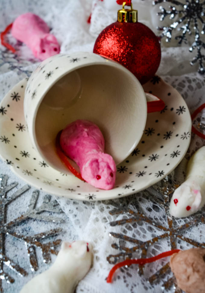 mice with cup