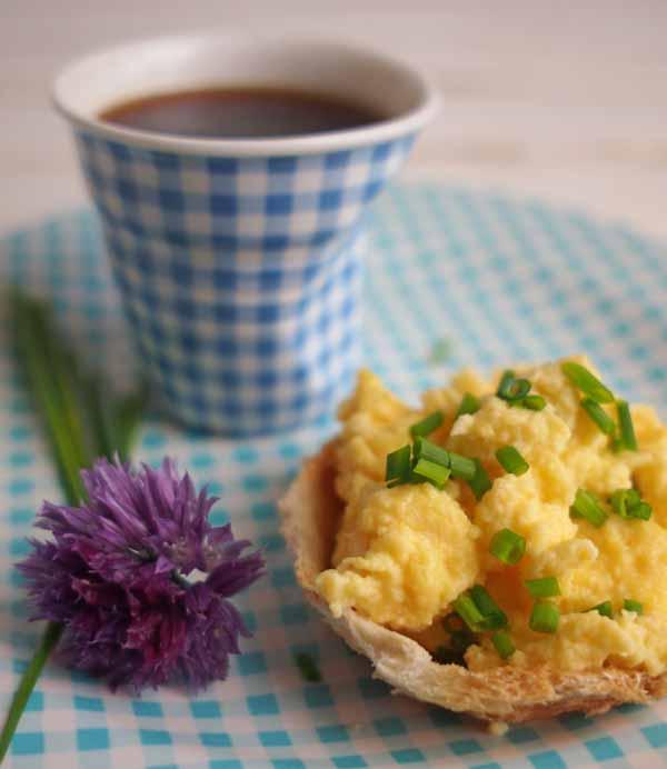 Scrambled Eggs Baskets