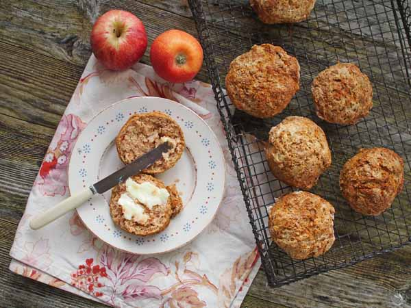 spiced apple scones by larderlove
