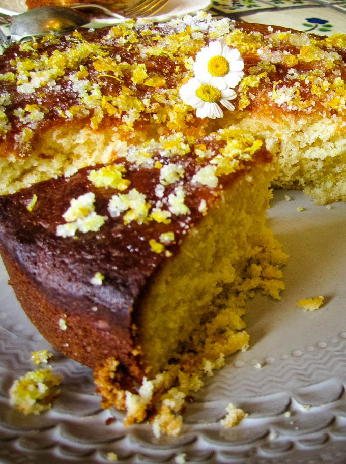 lemon and ginger drizzle cake by larderlove