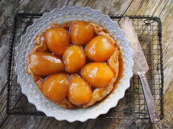 pear pie by larderlove