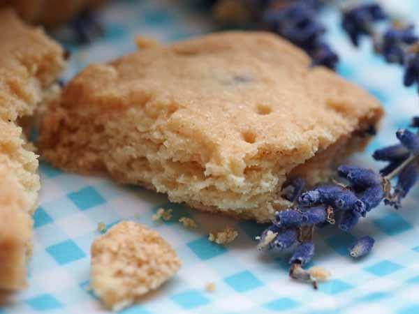 lavender shortbread by larderlove
