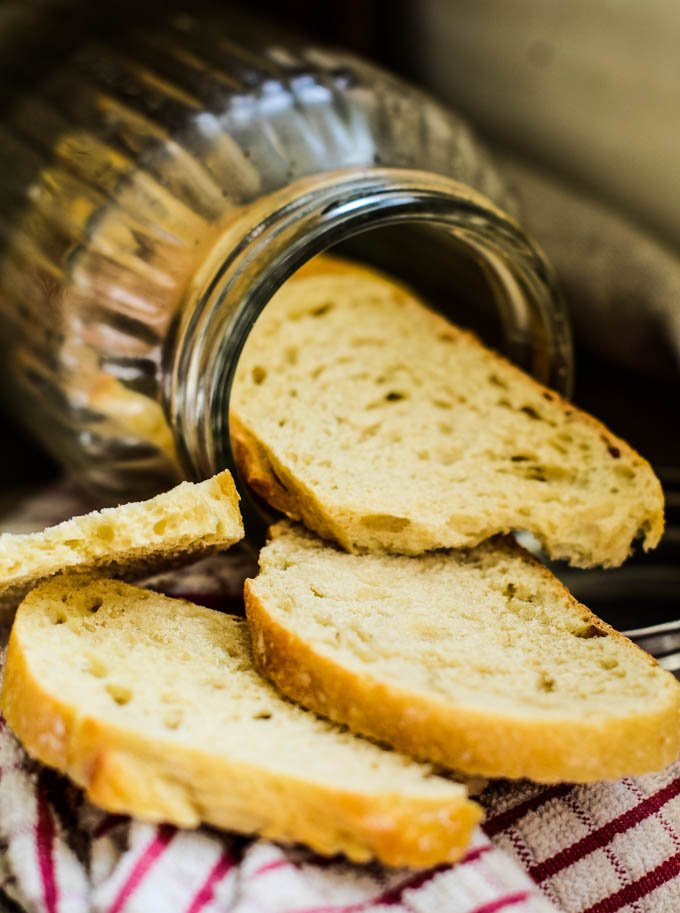 jar of crispbreads