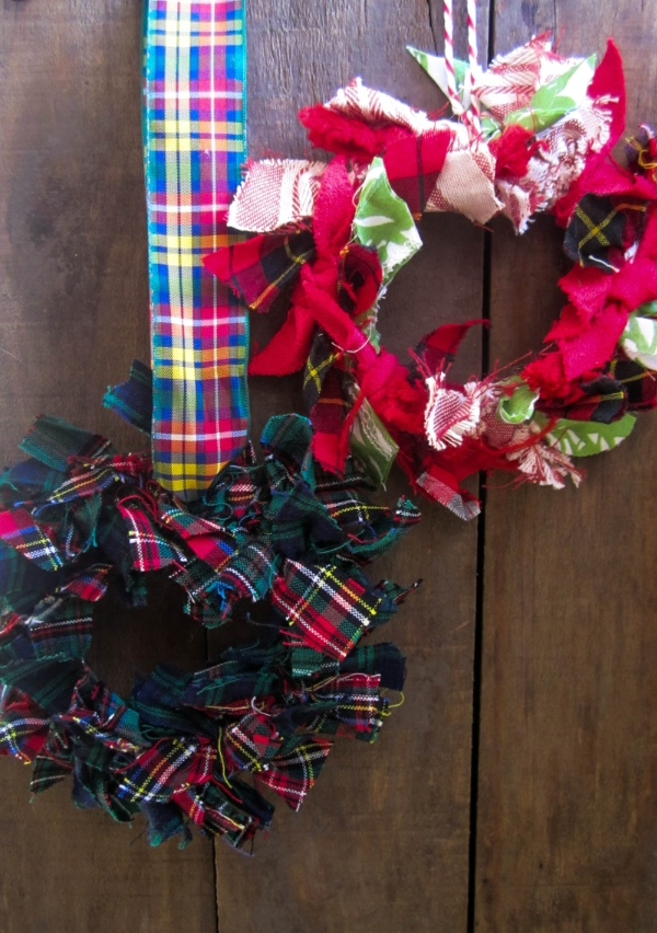 recycled fabric wreath 1