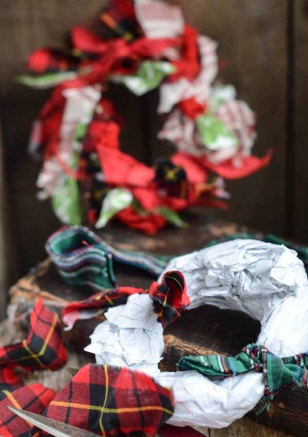 recycled fabric wreath 3
