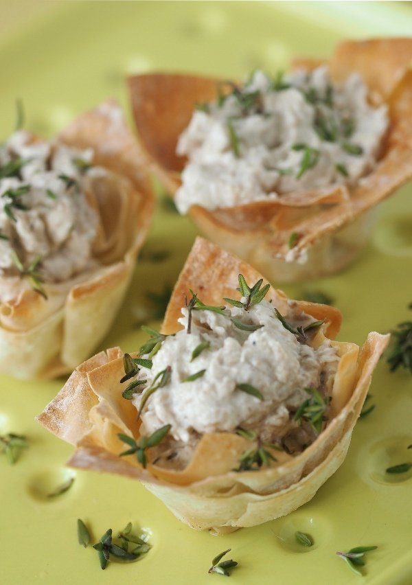 Filo Flowers with whisky mushroom mousse