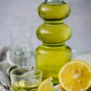 quick and easy homemade limoncello
