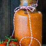 tomato sauce in jar