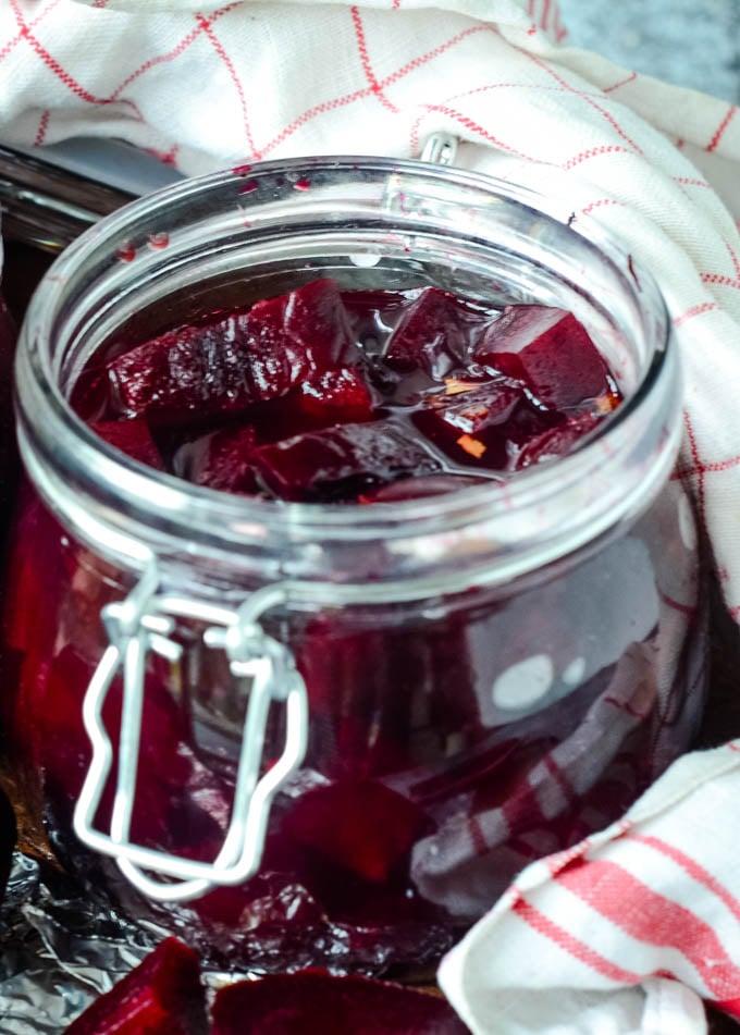 finished jar of beetroot