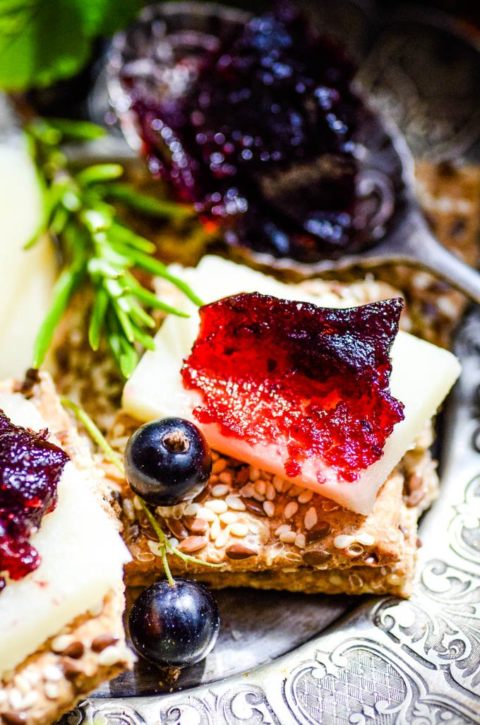 blackcurrant and rosemary fruit cheese