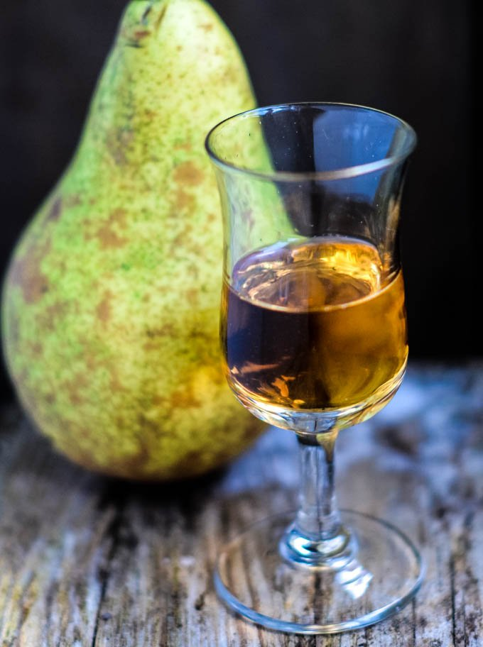 pear liqueur by larderlove
