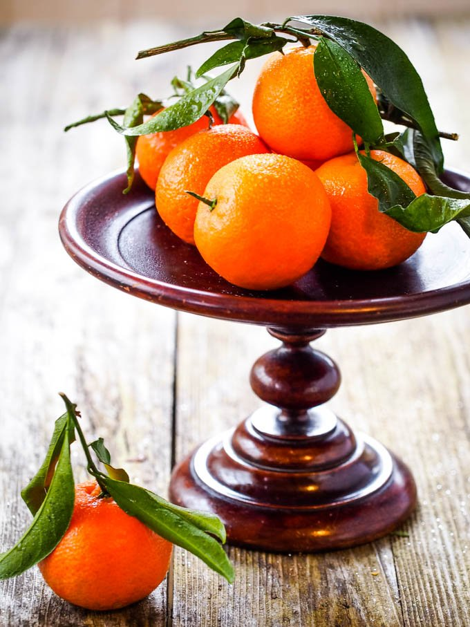 clementines on stand