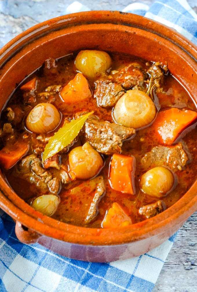 stifado traditional Greek beef stew