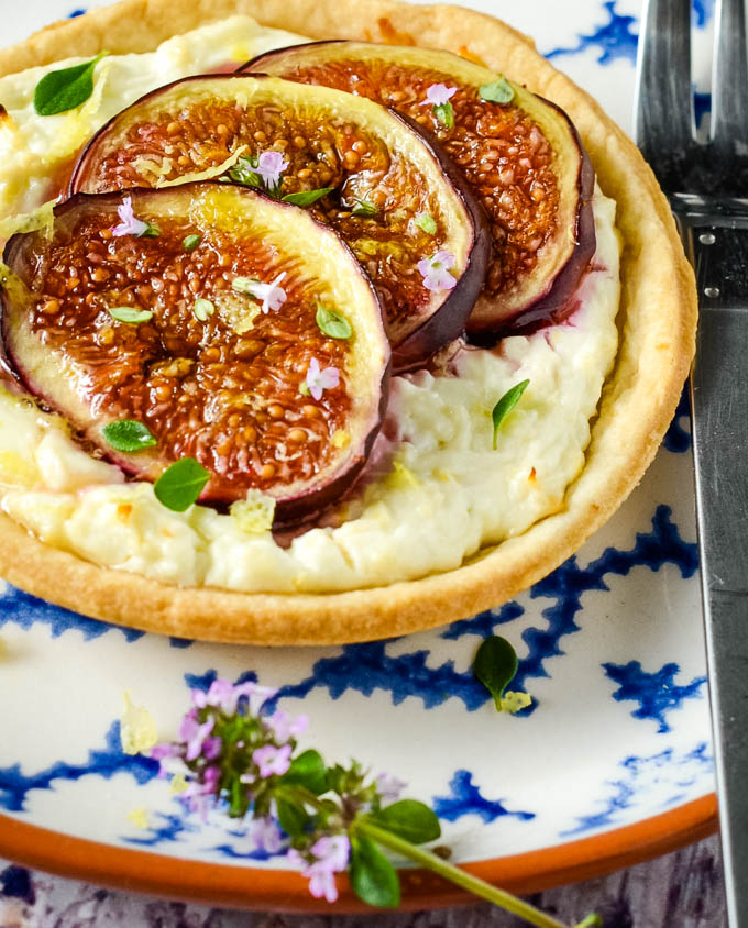 fig and feta tarts with thyme and honey