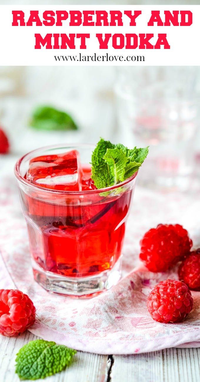This super easy homemade raspberry and mint vodka recipe is perfect served over ice or as part of a cocktail. The tste of summer all year round. It makes a perfect gift too. #raspberry vodka #infused vodka