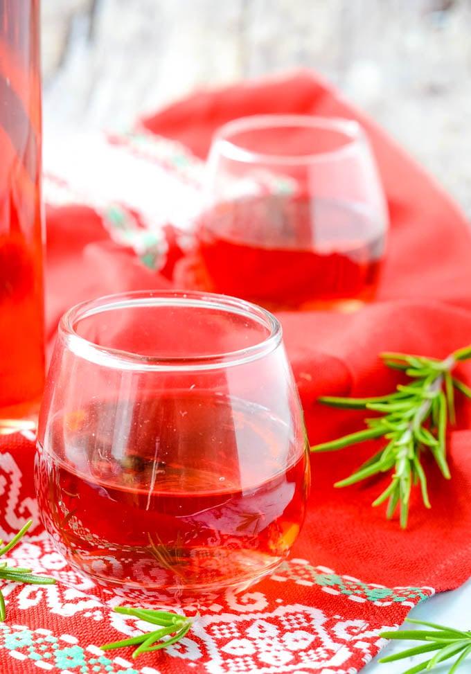 glasses of rosemary wine