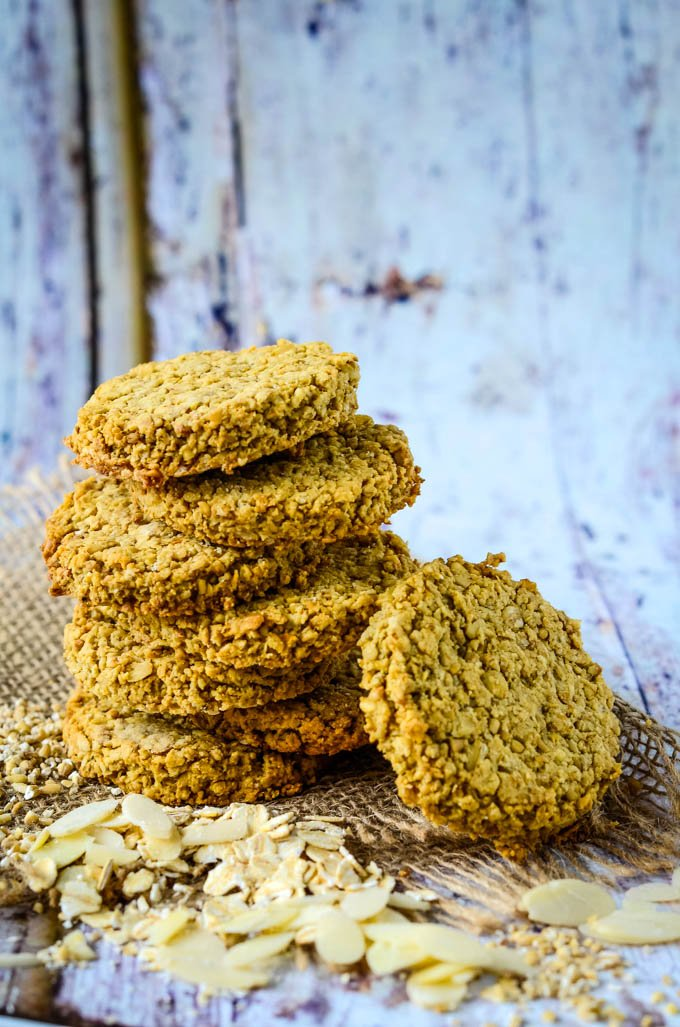 oat and almond crumble crackers by larderlove.com