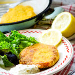salmon fishcakes with lemons