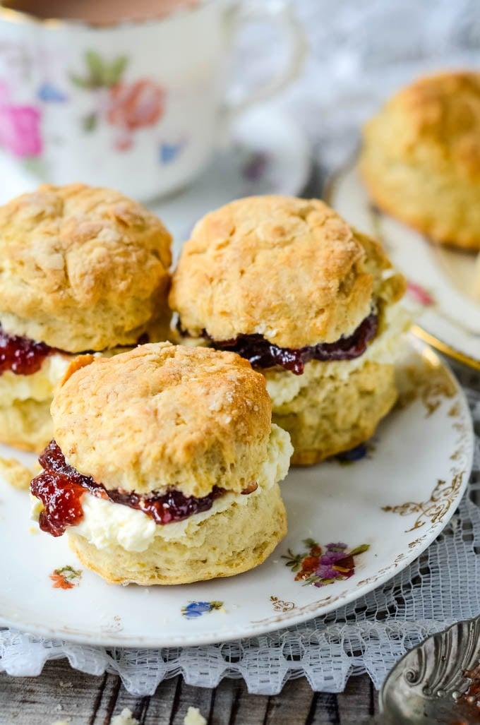 quick and easy simple scones recipe by larderlove