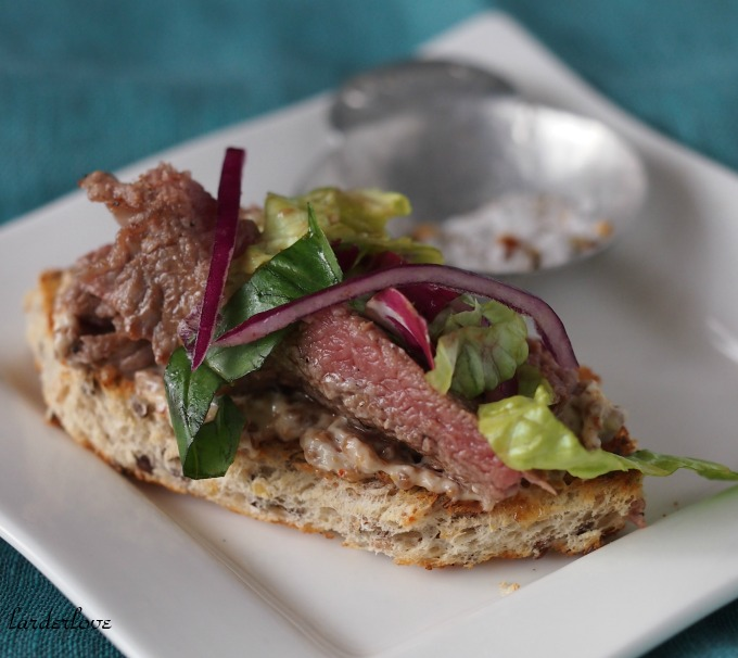 steak toasts
