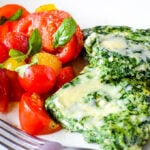 easy and healthy spinach frittata with tomato salad