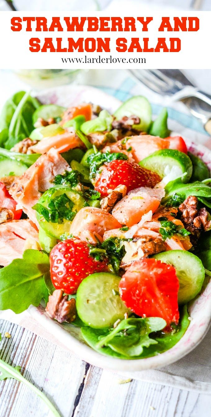 This is a super easy strawberry and salmon salad with spinach and walnuts recipe. It's healthy and packed with flavour, the perfect light supper or low carb lunch.