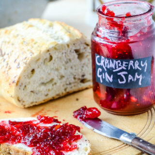 cranberry gin jam with bread