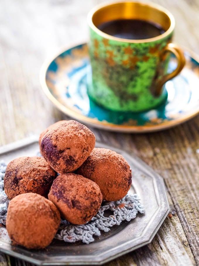 chocolate whisky truffles pin image