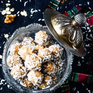 oat and nut snowball truffles