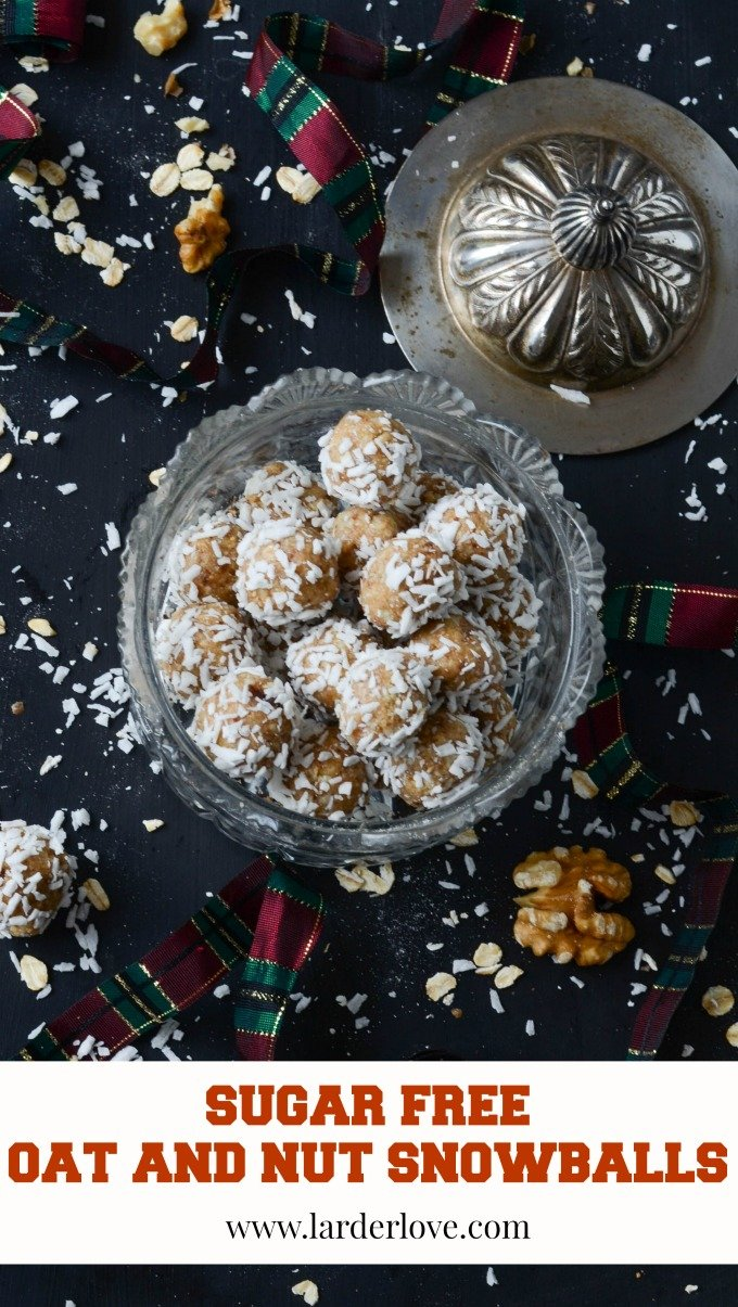 sugar free oat and nut snowballs make the perfect foodie gift for those trying to avoid refined sugar. Packed with flavour they are super easy to make too