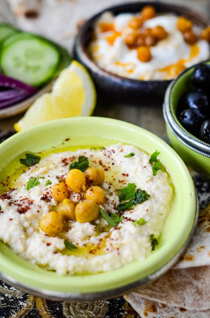 easy traditional homemade hummus by larderlove