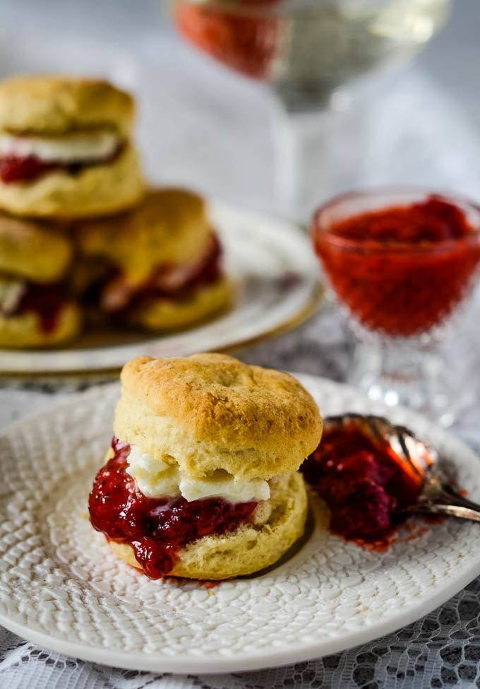 super easy 3 ingredient prosecco scones