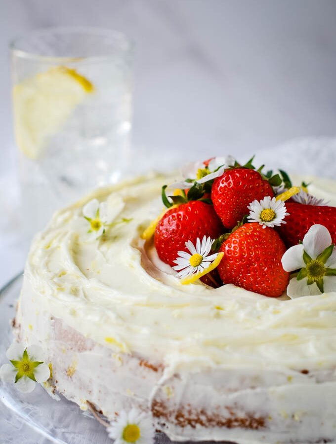 super easy gin and tonic lemon drizzle cake by larderlove