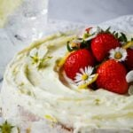 gin and tonic lemon drizzle cake