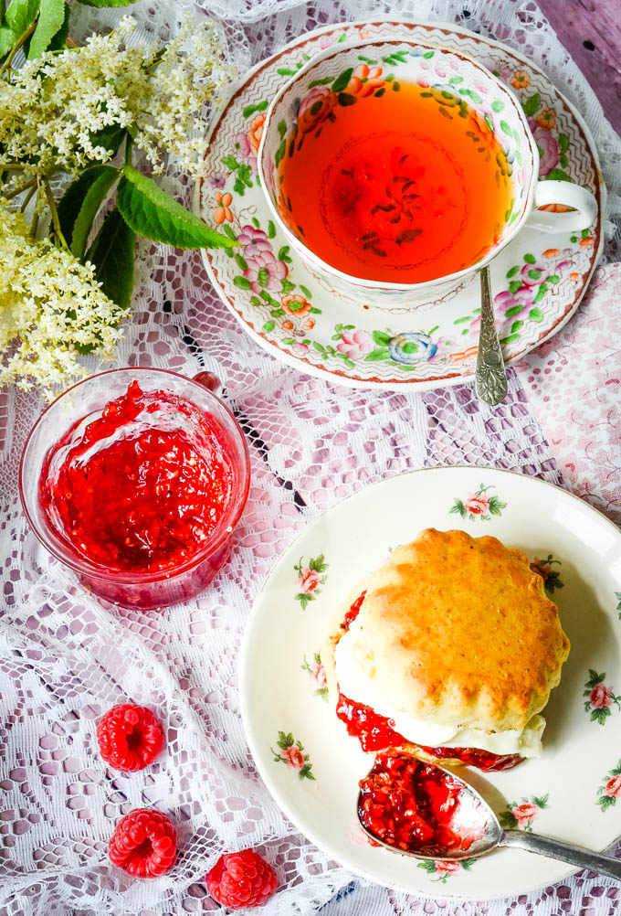 scones with jam and tea