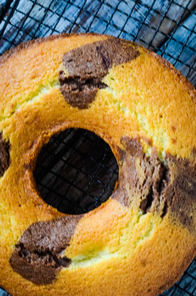 uniced cake