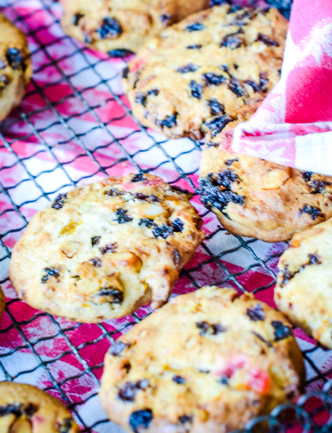 close up of cookies on tray