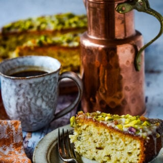 yogurt and marmalade cake with pistachios slice of cake