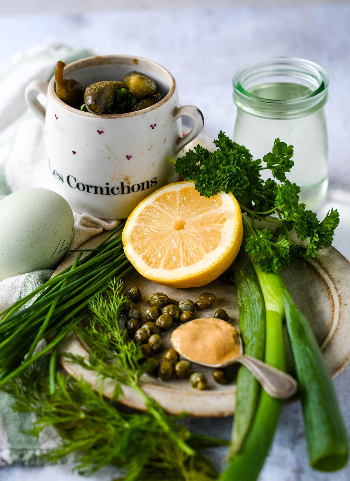 ingredients for homemade tartare sauce