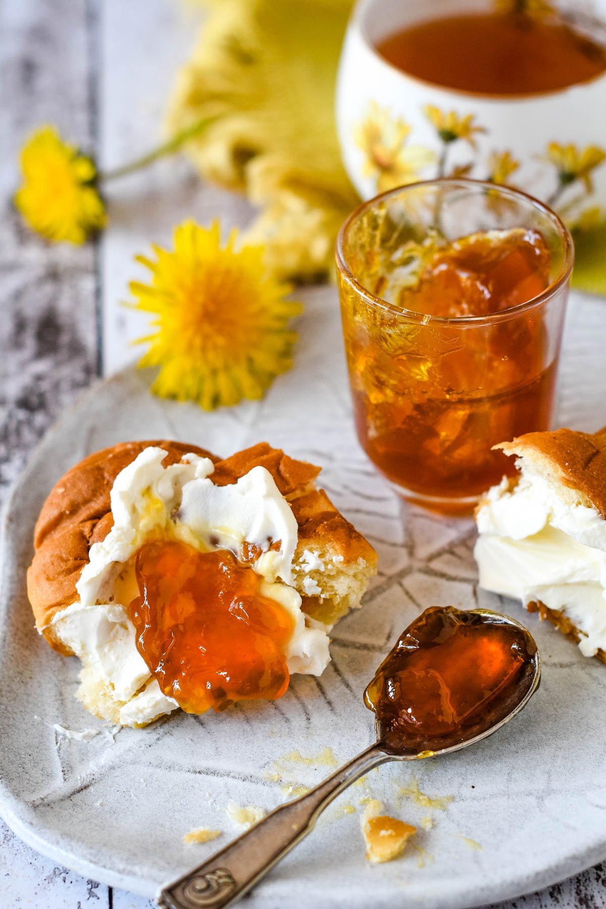 croissant with ricotta and jelly on top