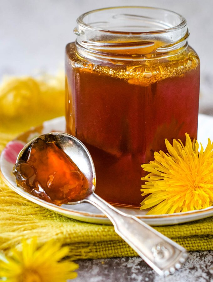 dandelion jelly with spoon
