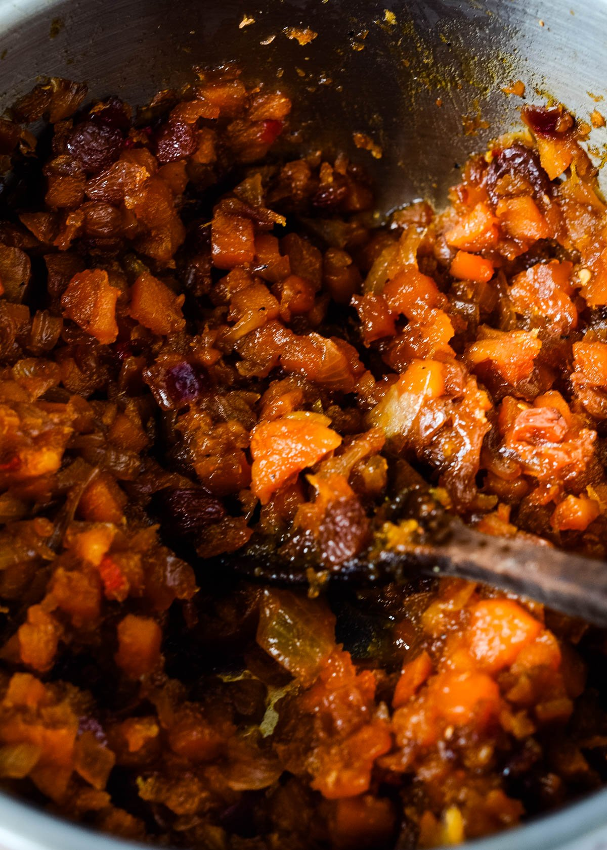 cooking the chutney in a pan